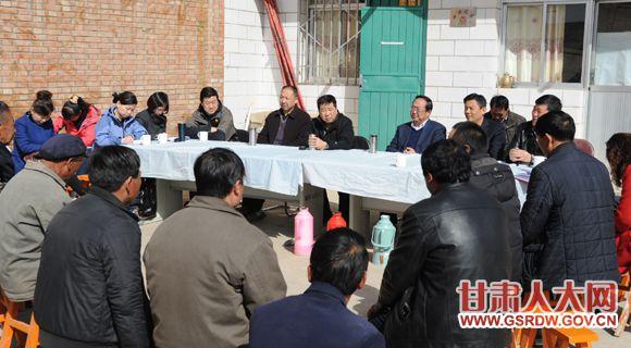 3月12日,财经委赴联系村开展支部共建活动