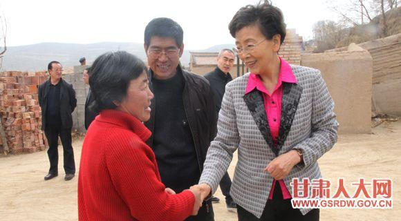 3月31日,李慧副主任赴定西市安定区巉口镇龙滩村、小柏林村开展双联帮扶工作