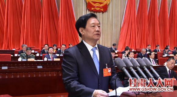 1月11日上午,省十二届人大六次会议举行第二次全体会议,孙效东作关于甘肃省地方立法条例草案的说明