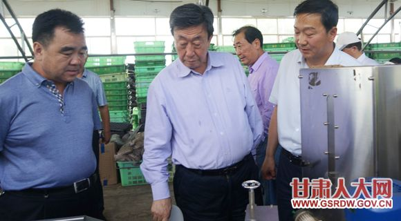 6月16日至20日,全国人大常委会农业与农村委员会副主任委员郭庚茂一行来我省对特色农业和旱作农业发展情况进行调研
