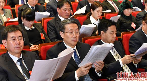 1月26日上午,省十三届人大二次会议隆重开幕