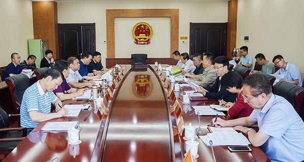 马青林出席《甘肃省农村生活垃圾管理条例》执法检查汇报会