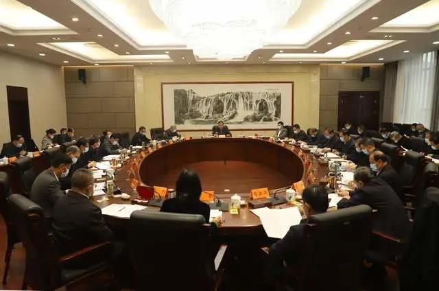 10月19日,省人大常委会召开党组(扩大)会议暨理论学习中心组学习会议